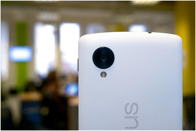 An iPhone Lover's Guide To the Google Nexus 5